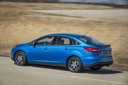 2014 Ford Focus sedan 12