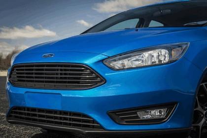 2014 Ford Focus sedan 14