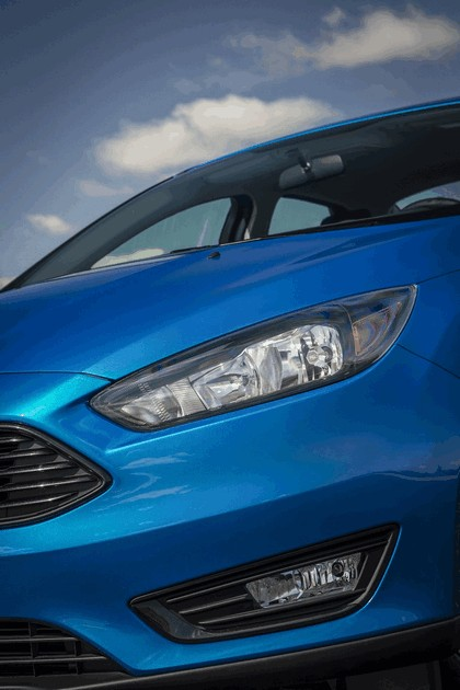 2014 Ford Focus sedan 15