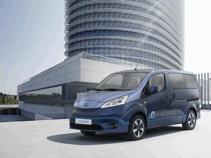 2014 Nissan e-NV200 VIP concept 1