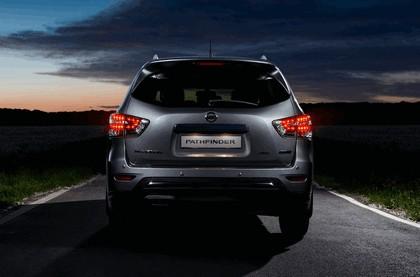 2015 Nissan Pathfinder - Russian version 30