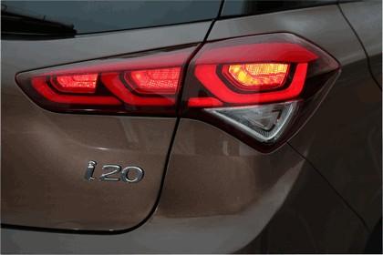 2014 Hyundai i20 16