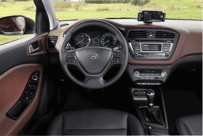 2014 Hyundai i20 21