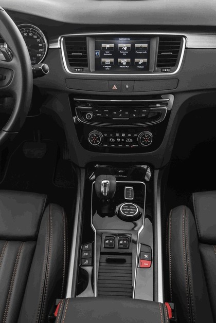 2014 Peugeot 508 RXH HYbrid4 32