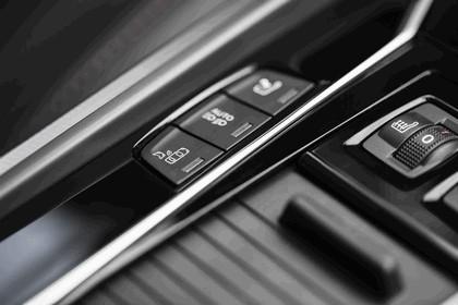 2014 Peugeot 508 RXH HYbrid4 36