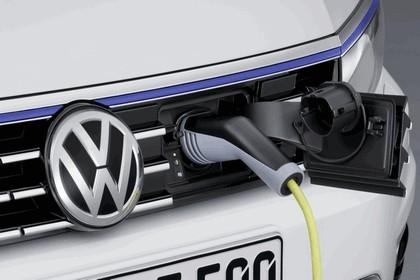 2014 Volkswagen Passat GTE 7