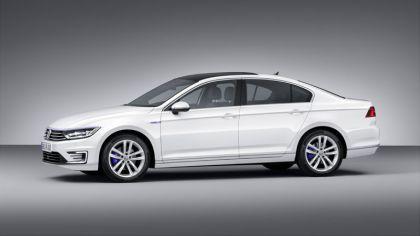 2014 Volkswagen Passat GTE 1