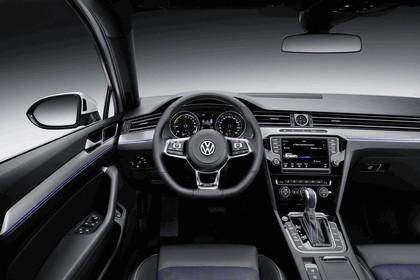 2014 Volkswagen Passat GTE SW 9