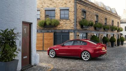 2014 Jaguar XE-S 9