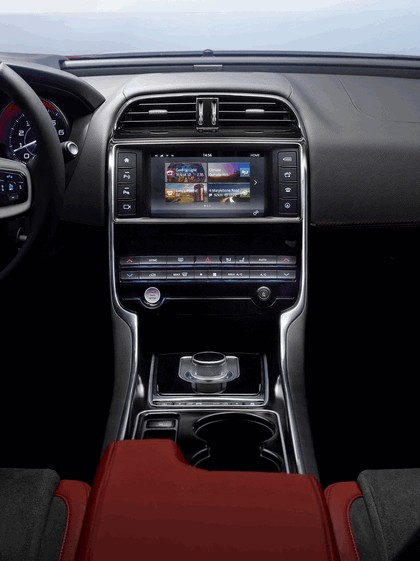 2014 Jaguar XE-S 29