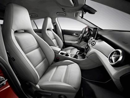 2014 Mercedes-Benz CLA Shooting Brake 8