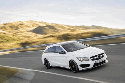 2014 Mercedes-Benz CLA 45 AMG Shooting Brake 3