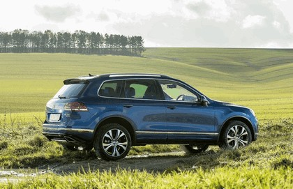 2014 Volkswagen Touareg R-Line - UK version 3