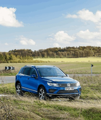 2014 Volkswagen Touareg R-Line - UK version 4