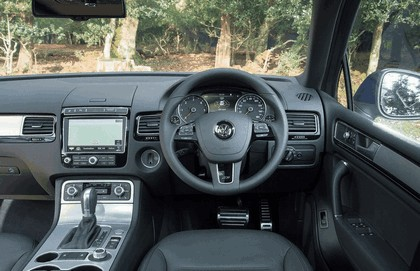 2014 Volkswagen Touareg R-Line - UK version 42