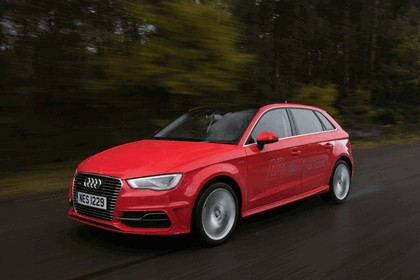 2015 Audi A3 Sportback e-tron - UK version 35
