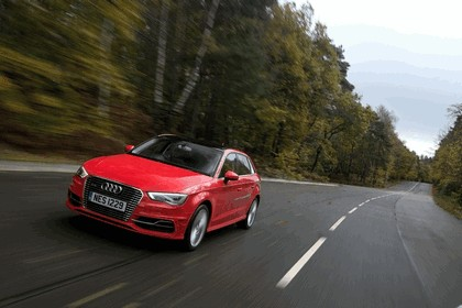 2015 Audi A3 Sportback e-tron - UK version 39
