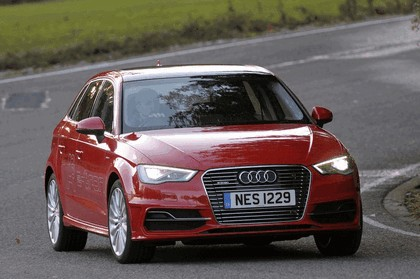 2015 Audi A3 Sportback e-tron - UK version 52