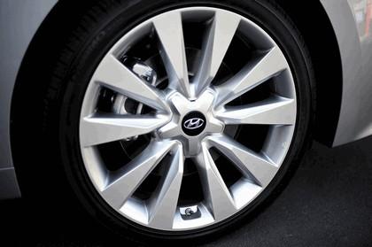 2015 Hyundai Azera 17