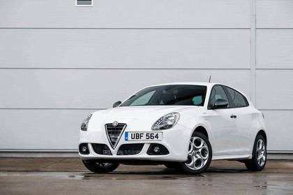 2014 Alfa Romeo Giulietta Sprint - UK version 1