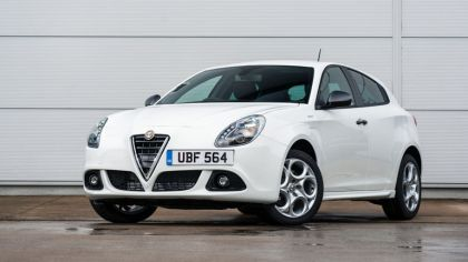2014 Alfa Romeo Giulietta Sprint - UK version 8