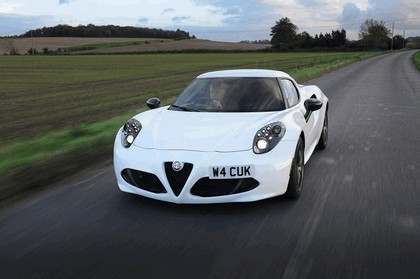 2015 Alfa Romeo 4C - UK version 2