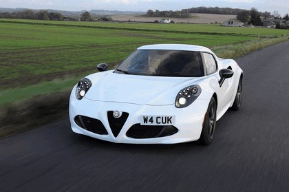 2015 Alfa Romeo 4C - UK version 3