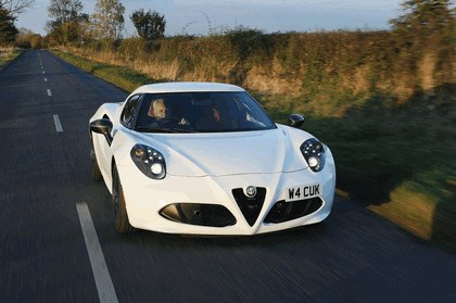 2015 Alfa Romeo 4C - UK version 7