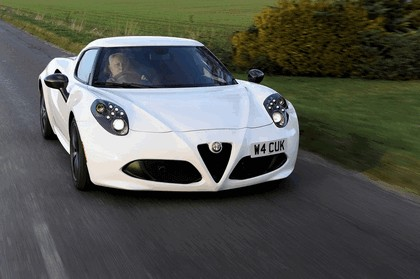2015 Alfa Romeo 4C - UK version 8