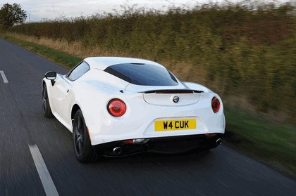 2015 Alfa Romeo 4C - UK version 12