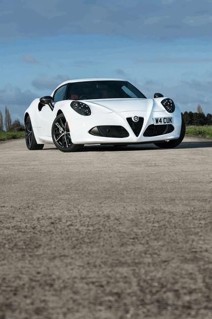 2015 Alfa Romeo 4C - UK version 13