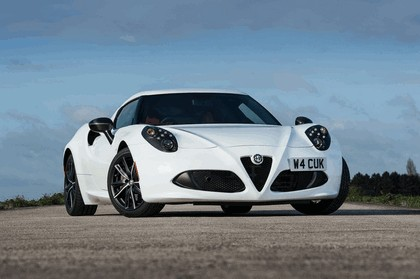 2015 Alfa Romeo 4C - UK version 15