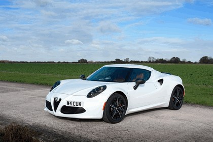 2015 Alfa Romeo 4C - UK version 17