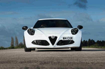 2015 Alfa Romeo 4C - UK version 21