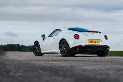 2015 Alfa Romeo 4C - UK version 30