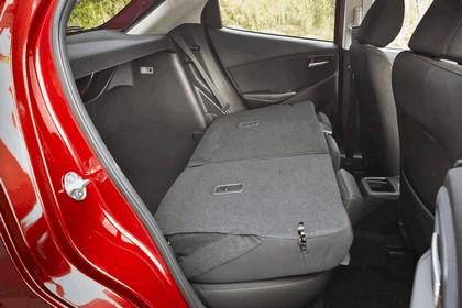 2014 Mazda 2 101