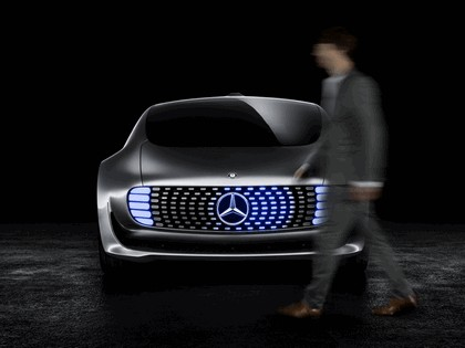2015 Mercedes-Benz F 015 concept 7