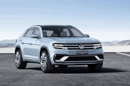 2015 Volkswagen Cross Coupé GTE 1