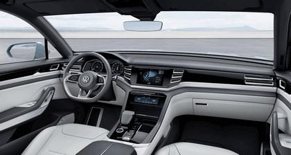 2015 Volkswagen Cross Coupé GTE 12