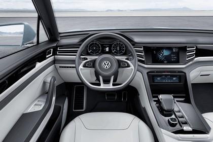 2015 Volkswagen Cross Coupé GTE 13