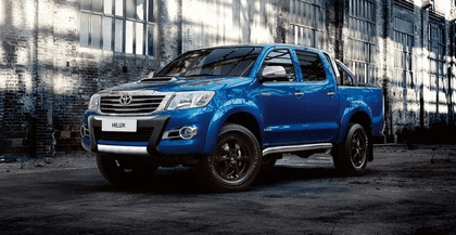 2015 Toyota Hilux Invincible X 1