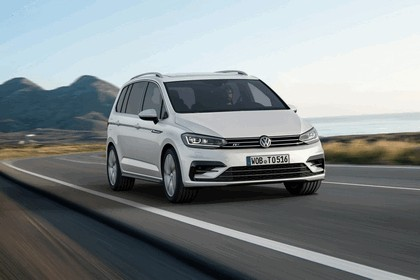 2015 Volkswagen Touran R-line 1