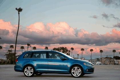 2015 Volkswagen Golf SportWagen - USA version 9