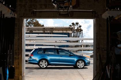 2015 Volkswagen Golf SportWagen - USA version 10
