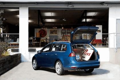 2015 Volkswagen Golf SportWagen - USA version 11