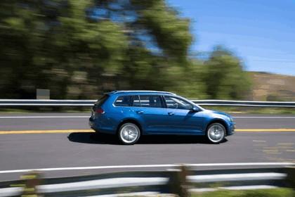 2015 Volkswagen Golf SportWagen - USA version 16