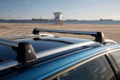 2015 Volkswagen Golf SportWagen - USA version 32