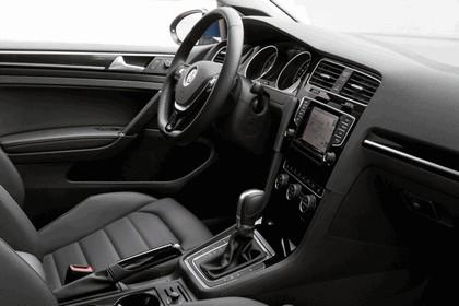 2015 Volkswagen Golf SportWagen - USA version 46