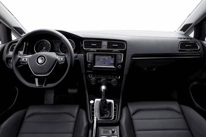 2015 Volkswagen Golf SportWagen - USA version 47