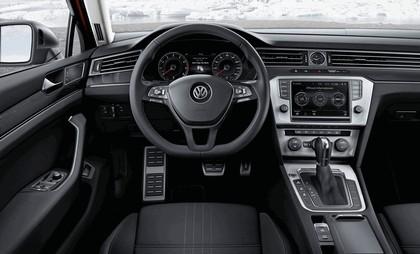 2015 Volkswagen Passat Alltrack 12